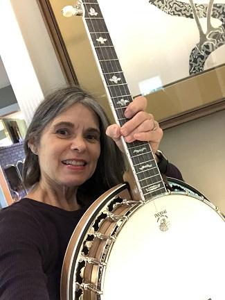 Deering White Lotus Banjo Picture