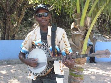 labadee banjo player